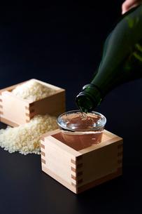 日本酒イメージの写真素材 [FYI01760973]