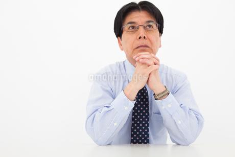 ワイシャツ姿の男性の写真素材 [FYI01761456]