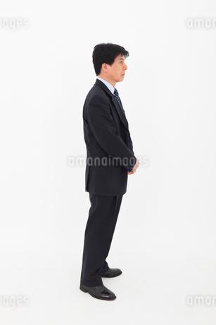 スーツを着た男性の写真素材 [FYI01761810]