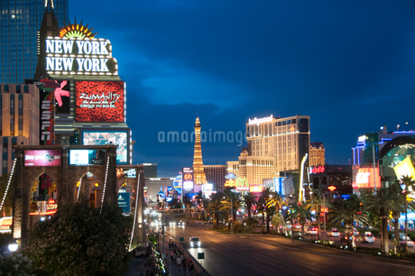 ラスベガスの夕景の写真素材 [FYI01762027]