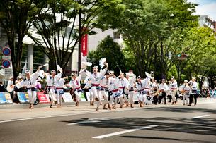 夏まつり仙台すずめ踊りの写真素材 [FYI01763438]