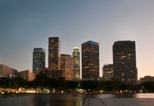 ロサンゼルスダウンタウン夕景の写真素材 [FYI01764387]