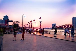 アジアティック ザ・リバーフロントの夕景の写真素材 [FYI01764909]