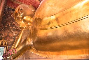 ワット・ポーの寝釈迦の写真素材 [FYI01764925]