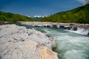 月山と寒河江川の写真素材 [FYI01764948]