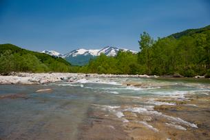 月山と寒河江川の写真素材 [FYI01764988]