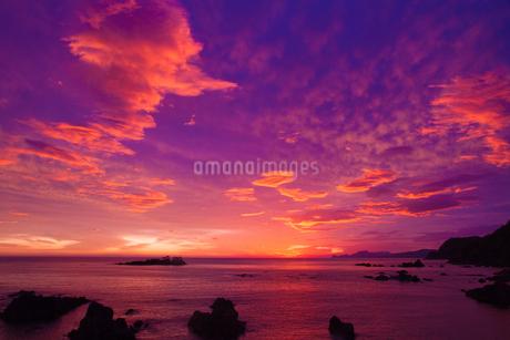 明け方の日和山海岸の写真素材 [FYI01766188]