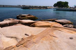 絵島の地層模様の写真素材 [FYI01766518]