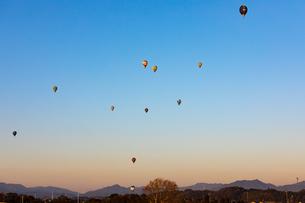 鈴鹿バルーンフェスティバルの熱気球の写真素材 [FYI01766721]