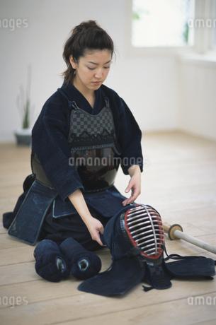 剣道着を着た女性の写真素材 [FYI01768180]