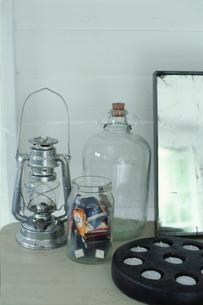 ランプとキャンドルの写真素材 [FYI01769524]