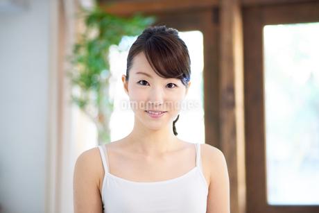 肌の綺麗な女性の写真素材 [FYI01778059]
