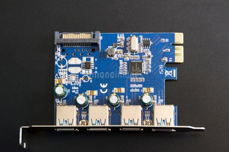 USB3.0拡張ボード(USB3.0増設インターフェースボード)の写真素材 [FYI01778097]