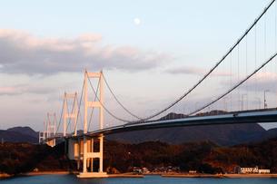 12月初冬 しまなみ海道の来島第三大橋の写真素材 [FYI01778113]