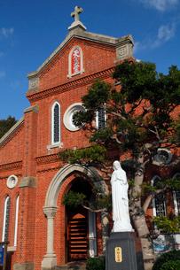 11月 五島列島の青砂ヶ浦天主堂の写真素材 [FYI01778169]
