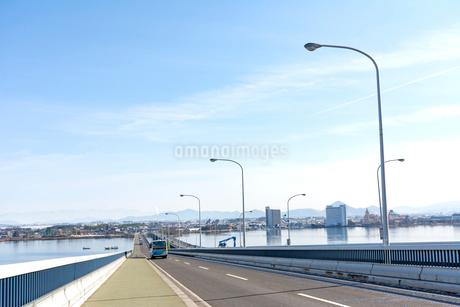琵琶湖大橋の写真素材 [FYI01778201]
