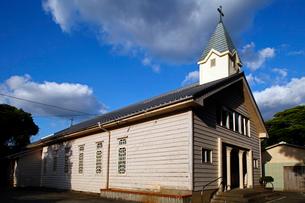 11月 五島列島の貝津教会の写真素材 [FYI01778307]