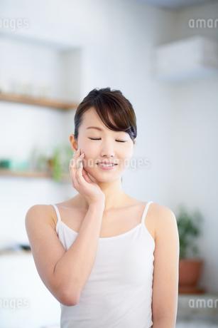 肌の綺麗な女性の写真素材 [FYI01778400]