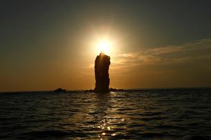 10月 隠岐のローソク岩-隠岐の風物詩の写真素材 [FYI01778428]
