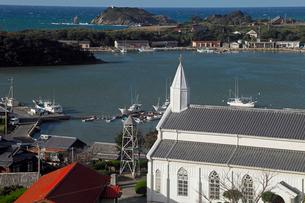 11月 五島列島の水ノ浦教会の写真素材 [FYI01778619]