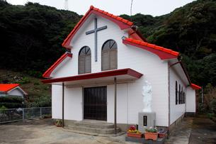 11月 五島列島の小瀬良教会の写真素材 [FYI01778620]