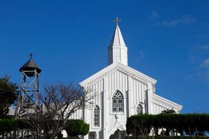 11月 五島列島の水ノ浦教会の写真素材 [FYI01778624]