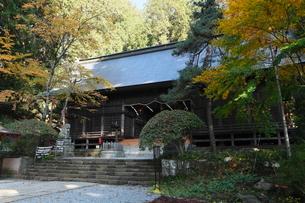 11月晩秋 紅葉の河口浅間神社 -富士山世界遺産構成資産-の写真素材 [FYI01778652]