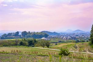 山の辺の道と大和三山の写真素材 [FYI01778694]