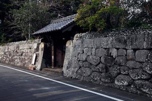 11月 五島列島福江市の武家屋敷通りの写真素材 [FYI01778935]