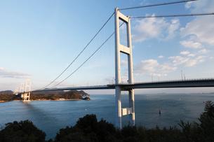 12月初冬 しまなみ海道の来島第三大橋の写真素材 [FYI01779126]