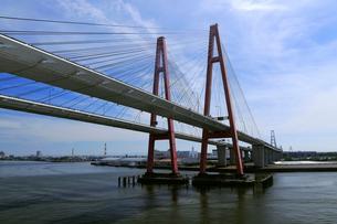 7月 名港西大橋と名港トリトンの写真素材 [FYI01779407]