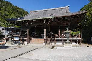 6月 サツキの善峯寺の写真素材 [FYI01779532]