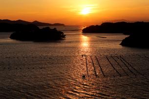 10月 英虞湾の夕暮れ 伊勢志摩の景観の写真素材 [FYI01779705]