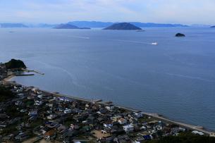 11月 小豆島重岩から展望した瀬戸内海の写真素材 [FYI01780140]