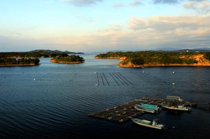 10月 英虞湾の夜明け 伊勢志摩の景観の写真素材 [FYI01780241]