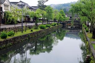 5月 小雨の倉敷美観地区の写真素材 [FYI01780297]