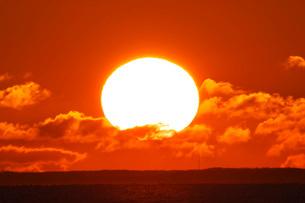 根室湾の日の出の写真素材 [FYI01780604]