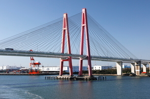 10月 名港西大橋の写真素材 [FYI01780976]