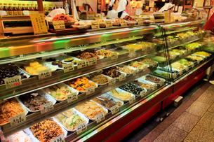 5月 京都の錦市場の写真素材 [FYI01781024]