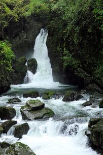 10月 三ツ滝 御嶽山の滝 の写真素材 [FYI01781181]