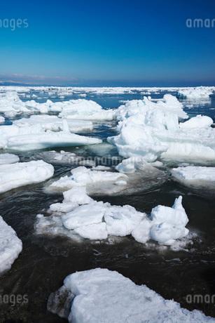 野付半島の流氷の写真素材 [FYI01781706]