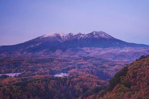 朝の御嶽山の写真素材 [FYI01781808]