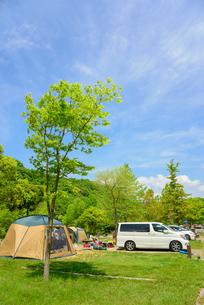 オート キャンプ場の写真素材 [FYI01782267]