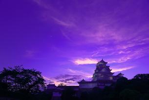 夕暮れの姫路城の写真素材 [FYI01782812]