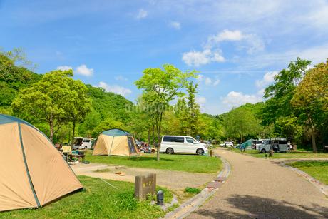 オート キャンプ場の写真素材 [FYI01783191]