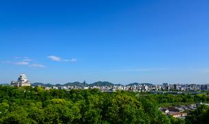 姫路城と姫路市街の景観の写真素材 [FYI01783246]