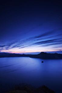 摩周湖の朝の写真素材 [FYI01783601]