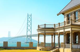 明石海峡大橋と舞子公園の景観の写真素材 [FYI01783931]