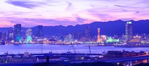 神戸港夕景の写真素材 [FYI01784069]