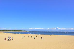 潮芦屋ビーチの景観の写真素材 [FYI01784071]